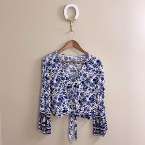 + American Eagle Outfitters Long Sleeve Blouse